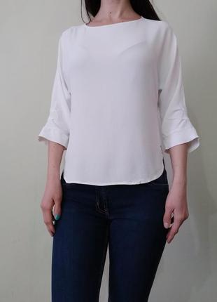 Базовая легкая белая блуза свободного кроя