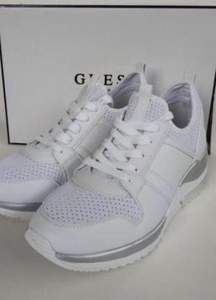 Кроссовки белые кожаные guess