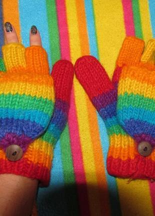 Цветные перчатки-трансформеры