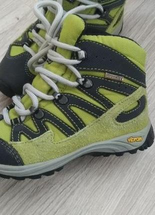 Ботинки,осень весна.vibram