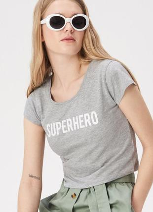 10-79 жіноча коротка футболка кроп топ sinsay з написом superhero женская футболка