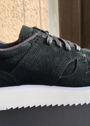 Замшевые женские кроссовки new balance