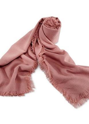 Незаменимый вариант в гардеробе современной модницы - объемный шарф палантин tchibo