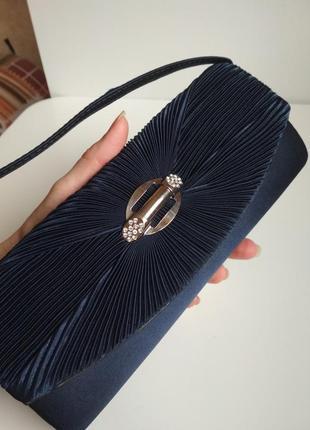 Синяя атласная сумочка клатч