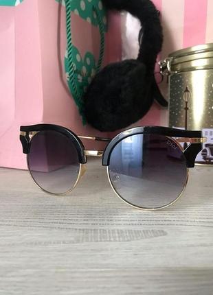 Солнцезащитные очки круглые кошачий глаз