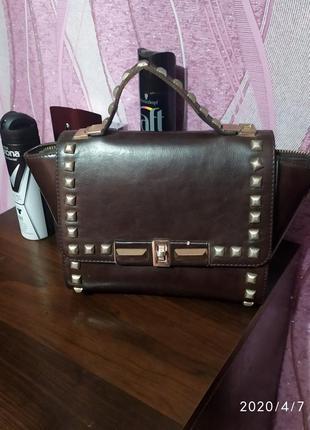 Стильная сумочка для модницы