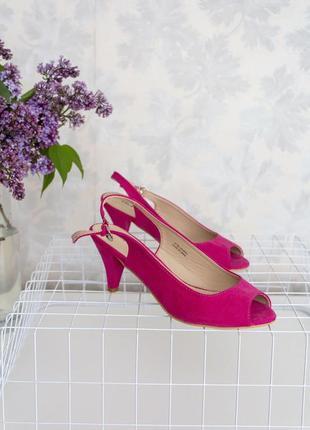 Рожеві зручні туфельки під замш з відкритим носиком і пяткою 23см