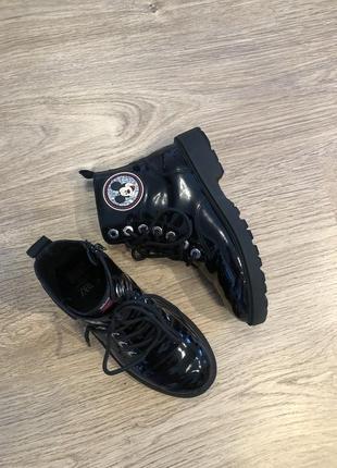 Лаковые ботинки на девочку zara 34