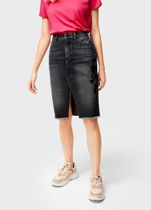 Новая джинсовая юбка миди с вышивкой и разрезом