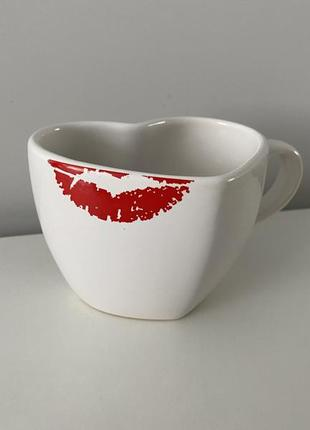 Чашка в виде сердца ❤️💋