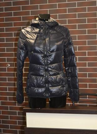 Дуже стильна курточка пуховик