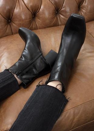 Черные кожаные ботильоны полусапожки на каблуке столбик с квадратным носом носком shoebox