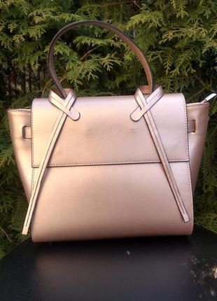 Элегантная кожаная сумка. красивый цвет! италия