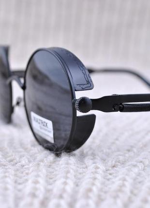 Фирменные солнцезащитные круглые очки matrix polarized с боковой шорой