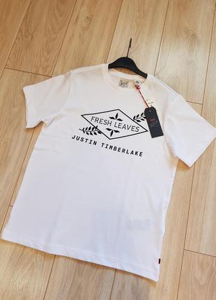 Мужская футболка levi's. новая