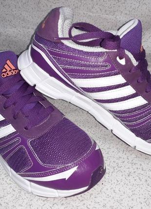 Кроссовки оригинал adidas, 40 размер.