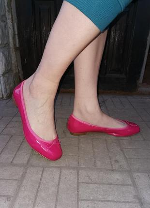 Лаковые балетки фуксия 42р(27см) на среднюю ногу