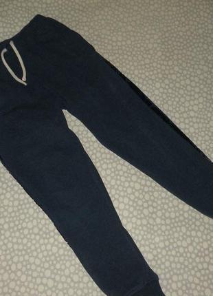 Спортивные штаны 7-8 лет