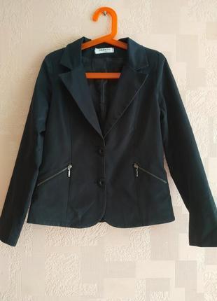Классный пиджак .