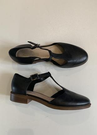 Кожаные фирменные туфли стелька 25,5 см