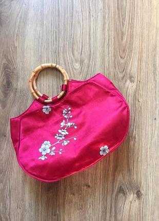Малиновая сумка сакура/с бамбуковыми ручками.