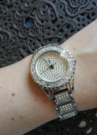 Классные нарядные часы asos