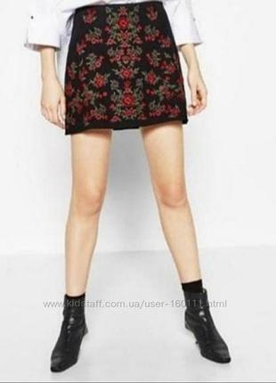 Черная юбка с вышивкой от zara