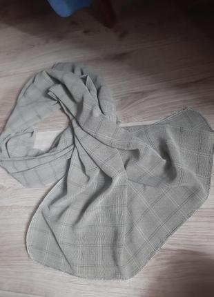 Женский шарф-палантин в клетку серый