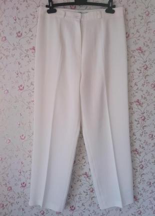 Белые брюки / штаны / фирменные прямого кроя большого размера.