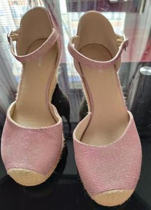 ❤️👠❤️стильні босоніжки, туфлі сріблясто-рожеві від graceland