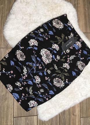 Замечательная юбка карандаш amisu с цветами
