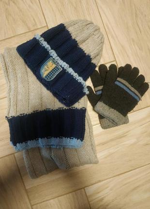Комплект вязанный на мальчика шапка шарф перчатки