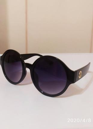 Круглые солнцезащитные очки.тренд 2020