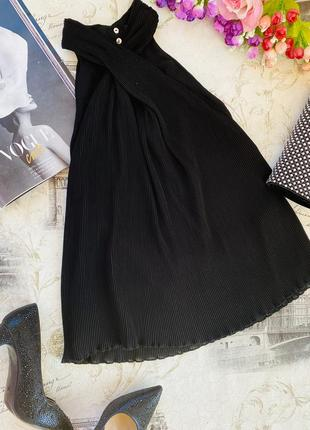 Вечерний чёрный топ с переплетом на шее бренд плиссе