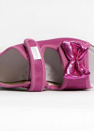 Тапочки с открытым носком для девочки, босоножки, сандали.