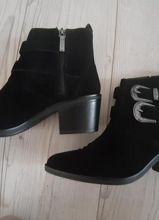Бершка, крутые замшевые ботинки, козаки
