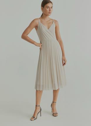 Новое с бирками шикарное платье mango