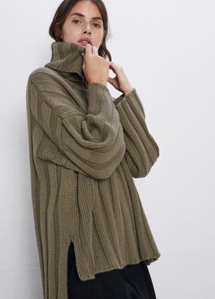 Новый объёмный свитер хаки zara