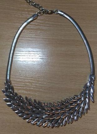 Колье, ожерелье в виде лепестков