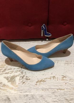 Новые натуральные фирменные туфли 37р.