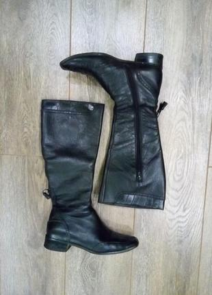 Max mara черные деми кожаные сапоги низкий каблук