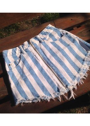 Джинсовая юбка на молнии