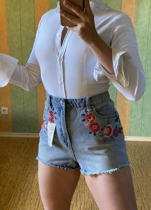 Крутые шорты с вышивкой denim co