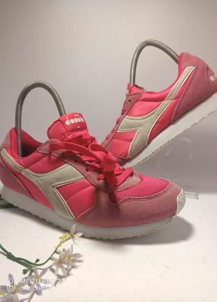 Стильние замшевие кроссовки от бренда diadora, 39-40