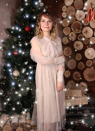 Платье кремовое с бантом сетка