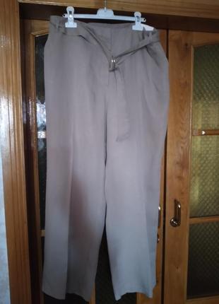 Легкие  летние новые  брюки 46 евро размера