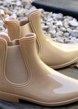Ботинки резиновые.  сапоги резиновые