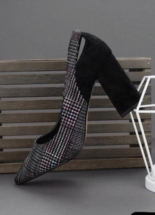 Туфли лодочки босоножки на толстом каблуке с острым носом
