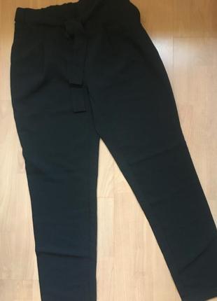 Стильные брюки высокая посадка с защипами
