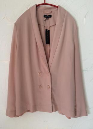 Пиджак двубортный , свободный